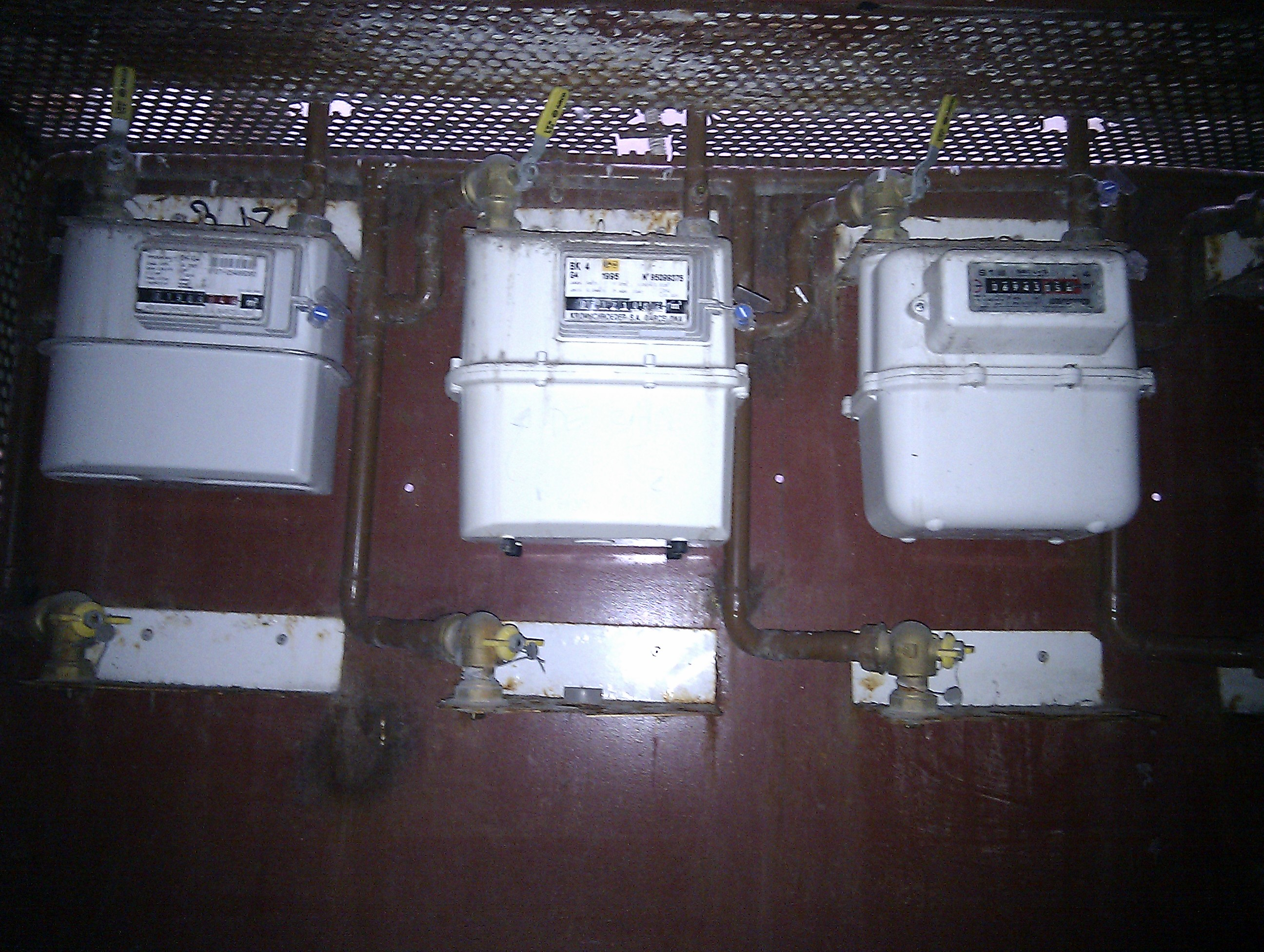 instalación de gas  Fontaneros urgentes en Huesca IMAG1180